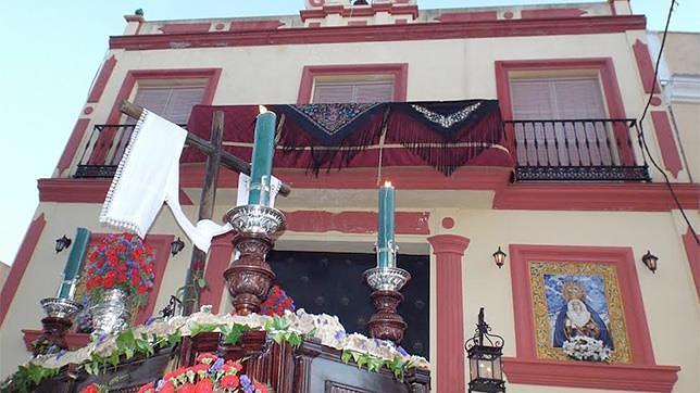 La cantera de cofrades ginenses y su Cruz de Mayo
