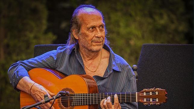 Paco de Lucía durante su actuación en el Festival de Música y Danza de Granada en 2013