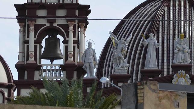 La estatua de Franco en la basílica de El Palmar