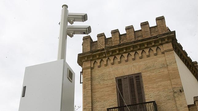 Cámaras de vigilancia en una calle de Sevilla