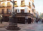 Recreación por ordenador de la ubicación originaria de la Cruz de la Cerrajería, obra de Sebastián Conde (1692), que estuvo situada en la confluencia de la calle Sierpes  y Cerrajería. ABC