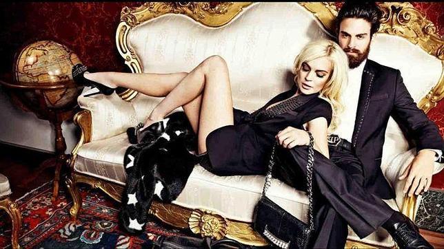 Lindsay Lohan despliega sus artes seductoras para Philipp Plein