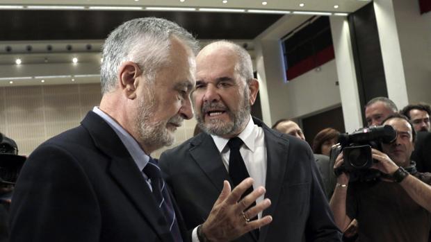 Los ex presidentes de la Junta de Andalucía José Antonio Griñán y Manuel Chaves