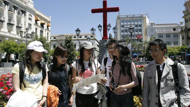 Visitantes extranjeros en Córdoba durante la época de las Cruces de Mayo