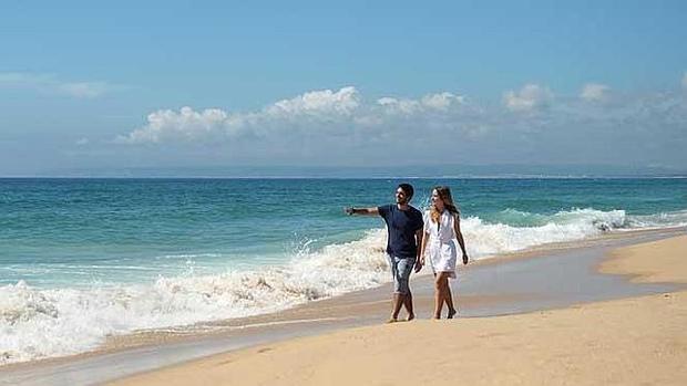 Playa de Zahara de los Atunes, arenas blancas y aguas turquesas