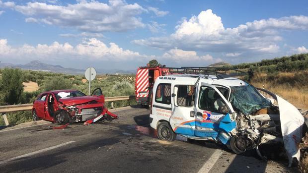 Estado de los vehículos implicados en el accidente de la N-432 en Baena