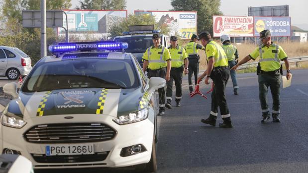 Control de la Guardia Civil de Tráfico en Córdoba