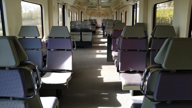 Uno de los vagones del tren, vacíos a media mañana del jueves