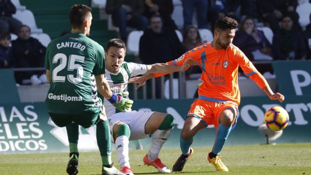 Jovanovic cae ante Cantero