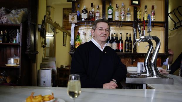 Interior de la taberna El Gallo, en la calle María Cristina