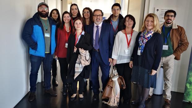El equipo de investigación de la UGR, durante el I Congreso de Investigadores del PTS, en Granada.