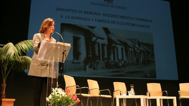 La alcaldesa interviene en el acto por el cententario de Electromecánicas, en el que intervino un cabecilla del Grapo