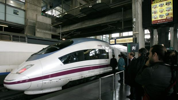 Un tren AVE en Córdoba