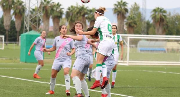 Las jugadoras del Pozoalbense, ante el Córdoba