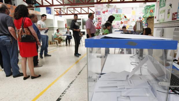 Ambiente en un colegio electoral durante las anteriores municipales