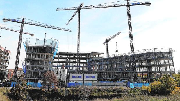 Pisos en construcción en Poniente Sur