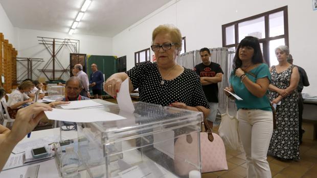 Elecciones municipales en un colegio de Córdoba capital