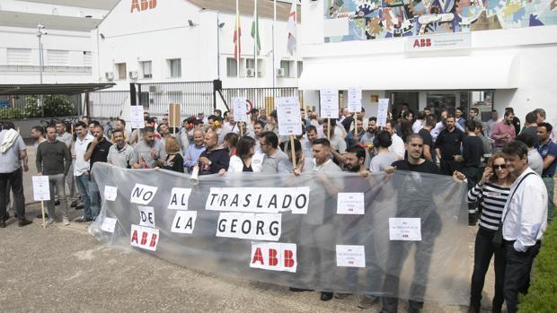 Protesta de trabajadores de ABB en mayo de 2018