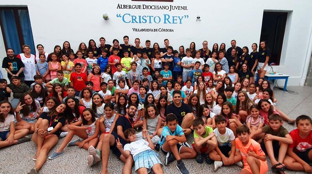 Casi un centenar de alumnos han participado en el campamento de primaria