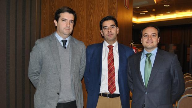 Ramón Díaz-Castellanos, en el centro, será el nuevo coordinador general del Ayuntamiento