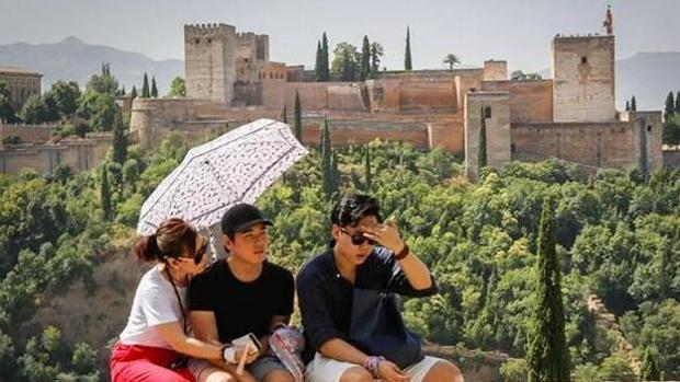Por segundo fin de semana consecutivo, Granada estará en alerta roja por el calor.