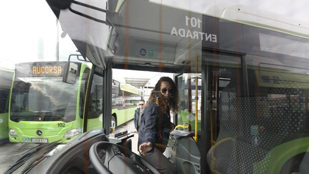 Un autobús propulsado a gas de Aucorsa
