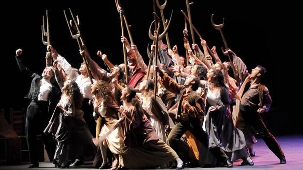 Escena de una representación de «Fuenteovejuna»
