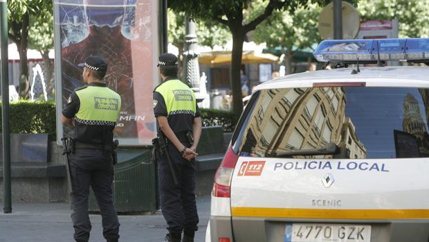 Policías Locales patrullan en las Tendillas
