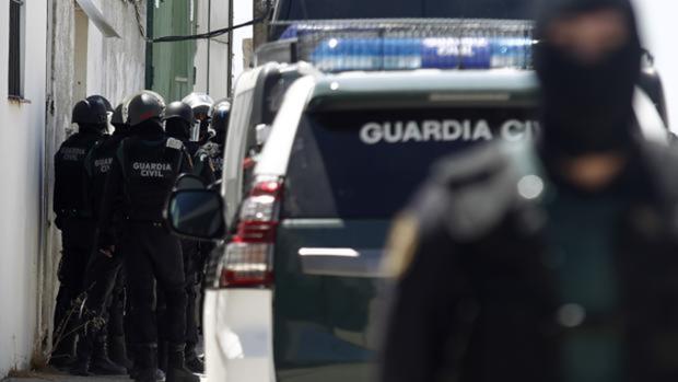 El GAR de la Guardia Civilen una operación antidroga
