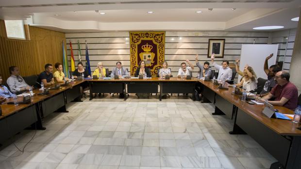 La Corporación de Punta Umbría en una sesión plenaria