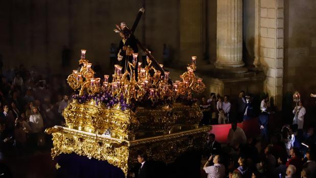 Jesús del Calvario, en la procesión de traslado a la magna exposición de Córdoba