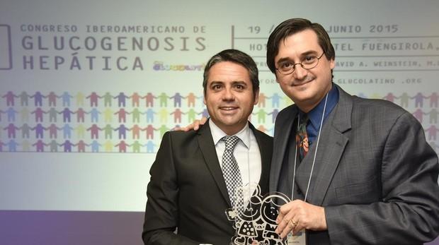 Rafael Olmedo y el doctor David Weinstein en una de las asistencias al congreso