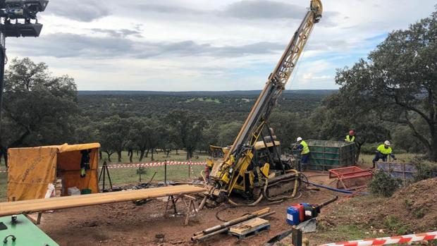 Trabajos de exploración de la presente campaña en la franja Torrubia a cargo de Minera Águilas