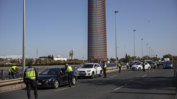 Controles de transporte en Sevilla efectuados por la Policía Nacional