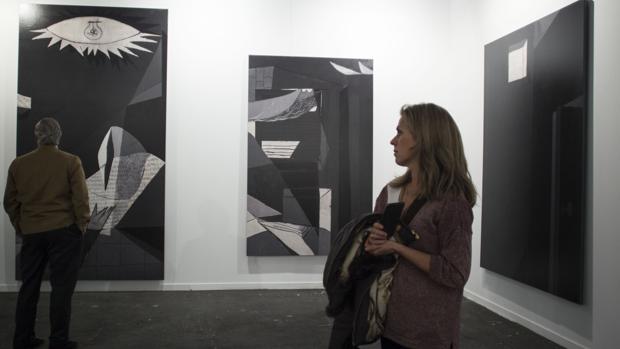 José Manuel Ballester ha vaciado de figuras y «fragmentado» el «Guernica» (Galería Pilar Serra)