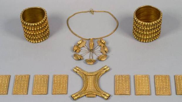 El Tesoro de Carambolo en el Museo Arqueológico de Sevilla