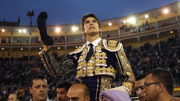 Sebastián Castella, a hombros en Las Ventas