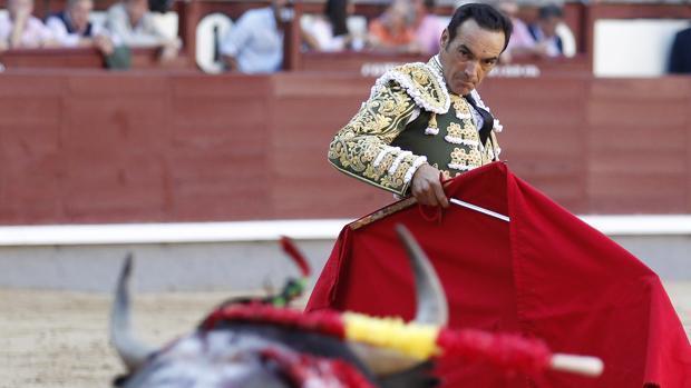 El Cid , que deja los ruedos esta temporada, se despide de Castellón