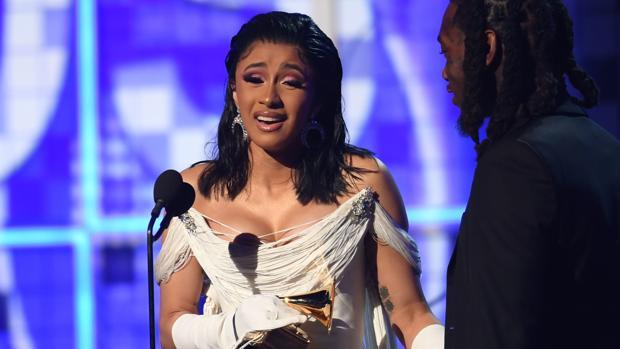 La rapera Cardi B, primera mujer en ganar un Grammy por mejor álbum de rap