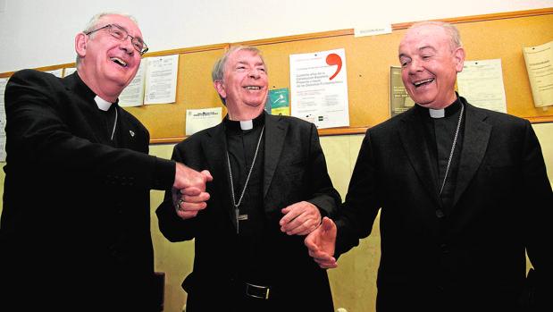 El obispo de Lérida, ayer, entre los prelados de Barbastro
