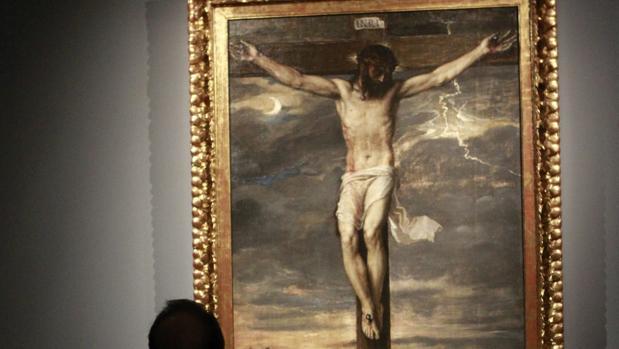 El «Cristo Crucificado» de Tiziano, en la exposición de 2017 en el Museo Thyssen-Bornemisza