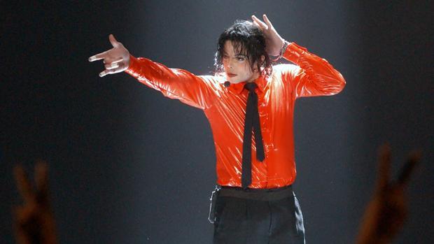 Michael Jackson, durante un concierto en Pasadelna (EE.UU) en 2002