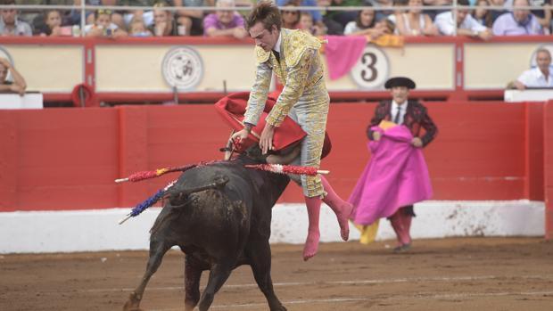 José Fernando Molina , en el momento de ser prendido al entrar a matar