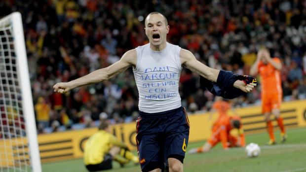 Andrés Iniesta celebra el gol a Holanda que nos hizo campeones del mundo