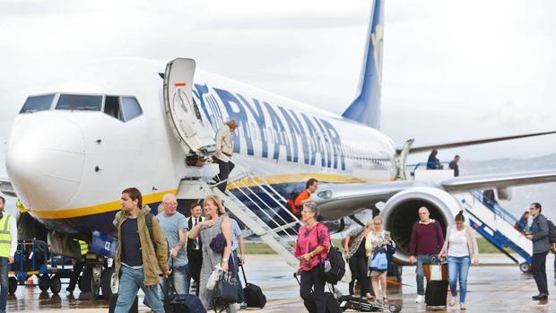 Avión de Ryanair en el aeropuerto de Castellón
