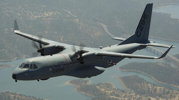 El C295 es un avión mediano de transporte militar que se ensambla en la factoría de Airbus San Pablo de Sevilla