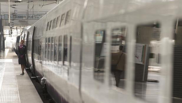 Renfe lanzó el pasado mes de diciembre el wifi en los trenes AVE