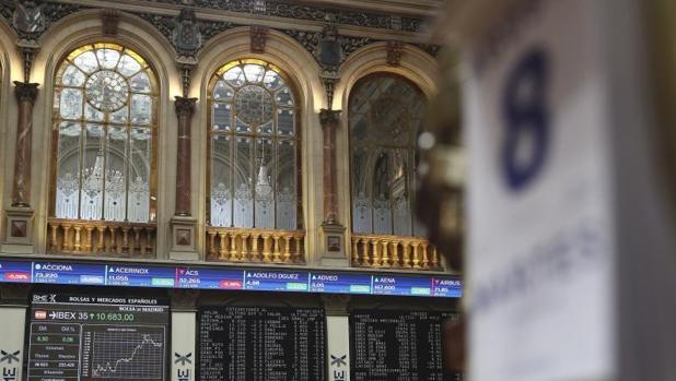 Panel informativo de la Bolsa de Madrid que muestra la evolución del principal indicador de la Bolsa española