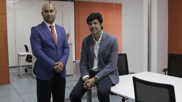 Enrique Pareja de la Cueva, CEO de VA Sistemas, y Antonio Gómez Bizcocho, fundador de Sicrom