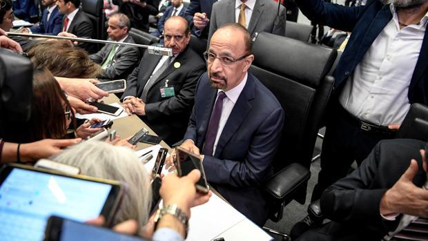 El ministro de Energía de Arabia Saudí, Khalid al-Falih, en el centro, en la última cumbre de la OPEP